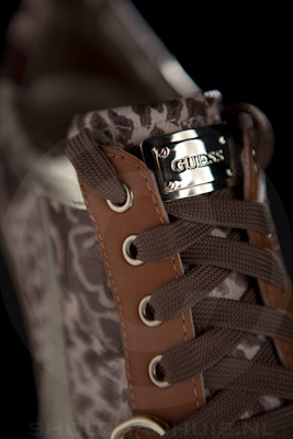 Productfotografie_guess_sneaker1
