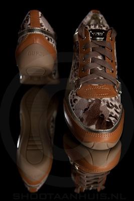 Productfotografie_guess_sneaker2