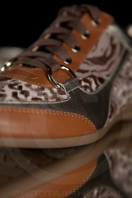 Productfotografie_guess_sneaker3