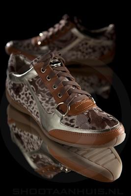 Productfotografie_guess_sneaker4